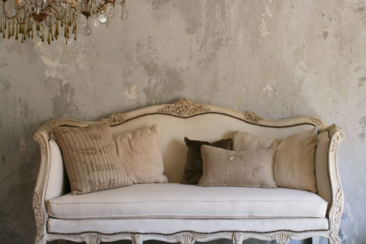 Designer Tips on Creating a Vintage Vibe in Any Room
